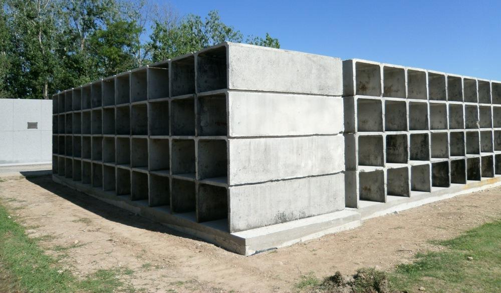 Se encuentra en ejecución las  obras de nichos y urnas cinerarias en el cementerio local